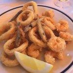 Abbondante frittura di pesce leggera ma poco saporita (buoni solo i pesciolini)
