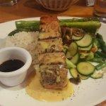 salmon con salsa de ostion y verduras