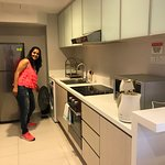 See kitchen, spacious rooms, dining area and beautiful view of Clarke Quay