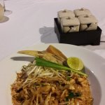 "Pad Thai im Restaurant ""Nest"""