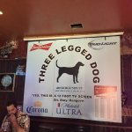 Three Legged Dog Tavern照片