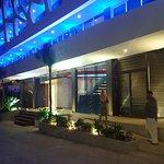 Photo de The Carmen Hotel