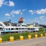 River boat with dining and entertainment options at Hangang park