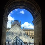 Louvre Müzesi resmi