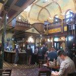 The bar at Samuel Petos