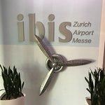ibis Zurich Messe Airport Foto