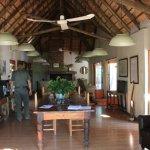 Potret Toro Yaka Bush Lodge