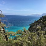 rando sur les falaises de Cala Gonone (grotte Blu Marino)