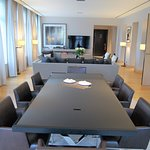 Photo de La Reserve Apartments Paris