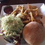 California Burger with truffel fries