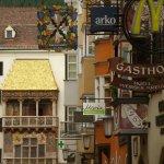 Photo de The Golden Roof (Goldenes Dachl)