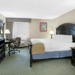 Baymont Inn & Suites Bridgeport/Frankenmuth Photo