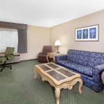 Baymont Inn & Suites Bridgeport/Frankenmuth Photo