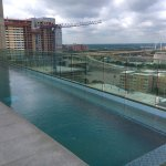 Spacious Fantastic Suite- great Pool and outdoor shower with skyline views and the new Texas sta
