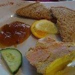 le foie gras mi cuit au chutney