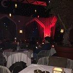 الكورتيارد منزل داون تاون دبي اجواء رمضانية رائعة خدمة الخمسة نجوم افطار راقي مع تقديم الشيشة خد