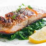 30752907-grilled-salmon-with-spinach-lemon-and-thyme_large.jpg