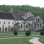 Die Kirche vom Garten aus