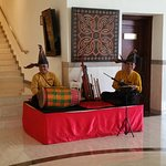 Wonderful performers in the hotel lobby, friendy and a pleasure to listen too