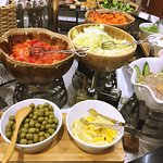 Hot Palayok Restaurant & Grill