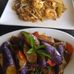 Pad Thai with chicken & shrimp and Green Curry with eggplant
