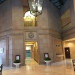 Photo de Ambassador Row Hotel Suites by Lanson Place