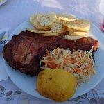 Schweinekotelett mit Gemüse + Kartoffeln