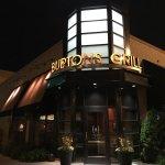 صورة فوتوغرافية لـ Burtons Grill & Bar