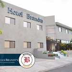 Photo de Hotel Brandt Ejecutivo Colonial Los Robles