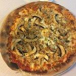 Uno de los mejores italianos en los que he estado. Pizza totalmente artesana, forjada en el horn