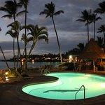 Photo de Napili Shores Maui by Outrigger