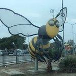 """Escultura """"Big Busy Bee"""""""