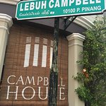 Campbell House Foto