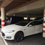 Tesla Destination Charging / E-Auto Ladestationen im Parkdeck