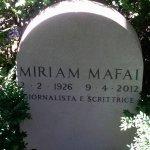 Tomba di Miriam Mafai