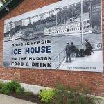 Ice House on the Hudsonの写真