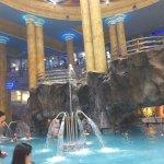 Balneario de agua marina, el mas grande de europa, esta es la piscina central.