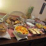 Scrumptious pastries, fresh fruits - great b'fast