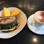 Cafe Avellinoの写真