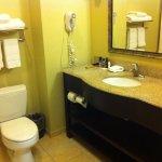 Toilet & sink & mirror