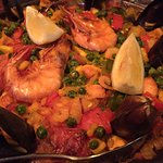 Seafood and chicken Paella (Delicious)