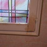 fenétre salle d'eau avec chambre à 75 euros