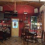 Foto de Tmol Shilshom Cafe