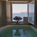 1/2 hot tubs: indoor jacuzzi in suite with complimentary flowers. Gorgeous!