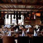 Almresi Restaurant