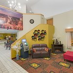 Days Inn Pittsburgh Airport Photo
