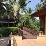 Photo de Andaman White Beach Resort