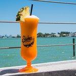 Photo de Shuckers Dockside Bar & Grill