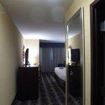 Foto de Holiday Inn Express Hotel & Suites Kansas City Airport