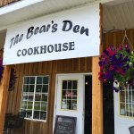 The Bears Den Cookhouse